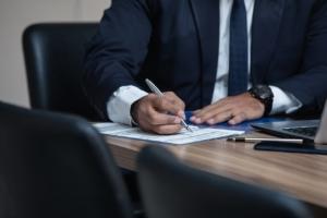 Man Lawyer Office Desk Computer  - advogadoaguilar / Pixabay